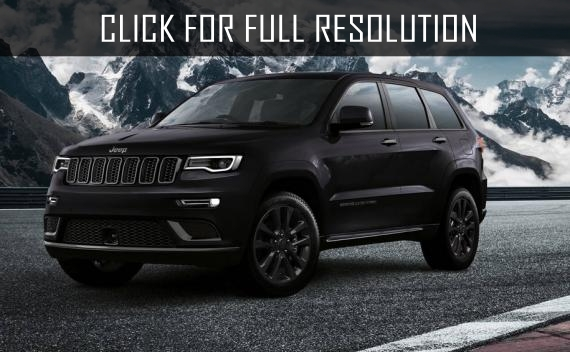 Jeep presented a very black sporty Grand Cherokee